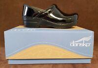 Dansko - Women's Professional Clogs in Black Patent Leather
