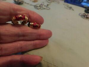 VTG Signe Joan Rivers Gold Tone w/ Colorful Enamel Pierced Earrings