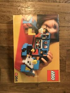 VINTAGE LEGO CLASSIC HOMEMAKER SET 264 LIVING ROOM 1973 with manuals