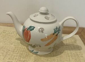 "Royal Winton ""Kitchen Garden"" Spongeware Large Tea Pot in Excellent Condition"