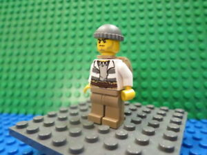 Lego Minifig: #CTY0522 Swamp Police - Crook Male with Dark Bluish Gray Knit Cap