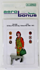 Aero Bonus US Navy Pilot with Bag, Vietnam War Era, Figure 1/72 720 028  ST DO