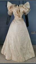Antico abito Vittoriano 1890 - A Victorian antique dress dating to the 1890