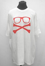 White glasses and crossbones geek t-shirt size XL