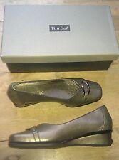 NEW/BOXED Jane Shilton Van Dal metallic leather ballerina wedge pumps - 4 narrow