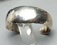 Art Deco Silber Armreif 925 Silber punziert 30er Jahre Hammerschlag-Dekor /A397