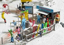 HO Busch 1170 Ski Slope Party Scene with Shack, Table, etc.  Winter Details KIT