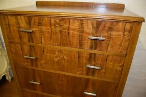 1930S ART DECO  WALNUT CHEST OF DRAWERS