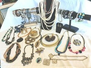 Jewelry for Every Occasion Large  Assortment of Contemporary Jewelry 34 Pc Mint