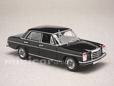 MERCEDES 200D W115, voiture miniature 1/43e MAXICHAMPS 940034005