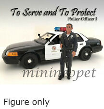 AMERICAN DIORAMA POLICE OFFICER  FIGURE FOR 1/18  DIECAST AD-24011 OFFICER I