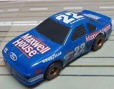 para H0 coche slot racing Maqueta de tren FORD NASCAR con TOMY CHASIS