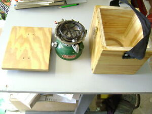 NICE COLEMAN 502 CAMPING STOVE IN WOODEN BOX