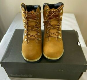 """TIMBERLAND BOOTS  6"""" in Beige Junior's Size 6  BRAND NEW WHITH BOX !!!"""