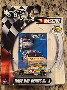 2004 #43 Jeff Green Cheerios 1/64 Hotwheels NASCAR Diecast