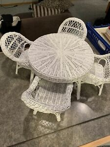 "White Wicker Table & 4 Chairs For 18""-24"" Dolls. Unmarked,great Condition."