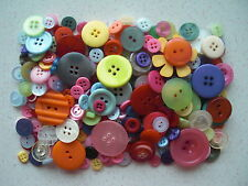 Mixed buttons mixed sizes & colours 100 grams free 1st class P&P