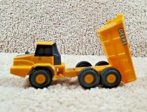 ERTL 1:64 Scale Durable Plastic Diecast John Deere Articulated Dump Truck Toy C