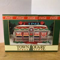 COCA-COLA TOWN SQUARE COLLECTION 1992 TICK TOCK DINER LIGHTS UP