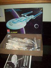 AMT STAR TREK U.S.S. EXCELSIOR SPACE SHIP MODEL KIT