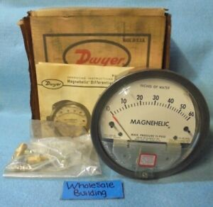 DWYER MAGNEHELIC WATER DIFFERENTIAL PRESSURE GAUGE 2060C, 0-60 INCHES OF WATER
