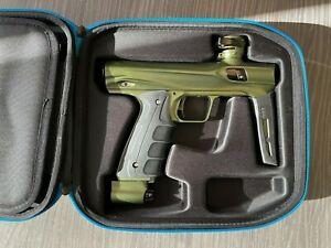 SP SHOCKER CVO MECHANICAL PAINTBALL GUN - DUST GREEN / BLACK - DYE EMPIRE LUXE