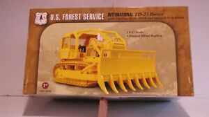 FIRST  GEAR  --  I. H. C.  --  T D --  25  --  DOZER  --  U S  FOREST  SERVICE