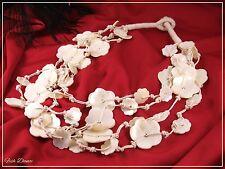 Multi Strand Avorio Colorato shell intagliato fiore corda tanga COLLANA (19)