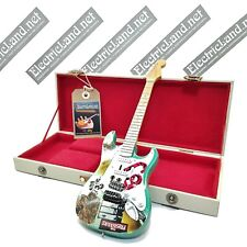 Mini Guitar GREEN DAY + hard case box scale 1:4 miniature gadget collectible