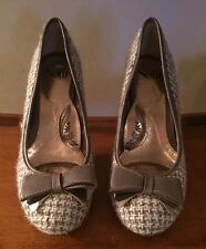 SOFFT Ivory Taupe Tweed Leather Bow Pumps Heels Shoes NWOB 7M no size mark