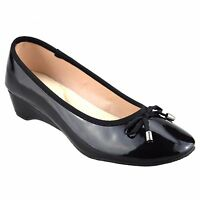 LADIES ISOTONER LEATHER LINED LOW WEDGE DOLLY SHOE BLACK PATENT SIZE 3-8
