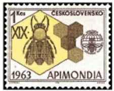Timbre Insectes Abeilles Tchécoslovaquie 1282 ** lot 24014