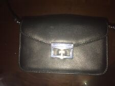MARC BY MARC JACOBS VINTAGE SOFT BLACK LEATHER MODEL CROSS BODY BAG! CLASSY CUTE