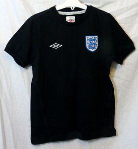 Boys Umbro Black England Football 3 Lions Short Sleeve T-Shirt Age 11-12 Years