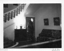 POL826 Polaroid Photo Vintage Original meuble salon intérieur escalier