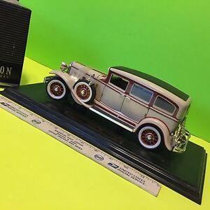Peerless, 1931, 1/18 size display car.   Item:  3007