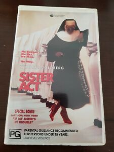 1992 FILM. SISTER ACT. VHS. CLAMSHELL. GC. TOUCHSTONE HOME VIDEO. EX RENTAL