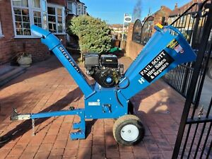 Petrol Wood Chipper With Operator  1 Day Hire