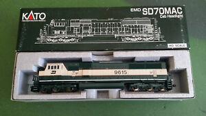 Kato HO gauge 37-6382 EMD SD70MAC 9615, Burlington Northern Executive, unused