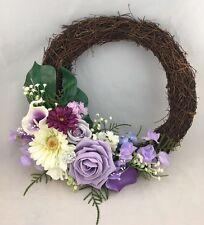 Puerta Delantera Vintage Ramita Corona Flores Broches Perlas Lila Decoración de pared
