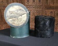 Ancienne boîte Au bon marché (fin XIXe) et son manchon en fourrure