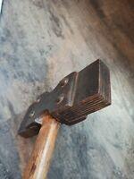 Ancien marteau tailleur de pierre art populaire outil  métier metal bois Rare