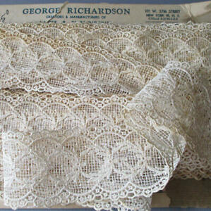 """Bolt Vintage Creamy LACE Openwork SCALLOPED Ornaments 2.5"""" W X 12 Yds * DOLLS"""