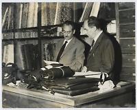 Italie, atelier de relieur Vintage silver print Tirage argentique  18x24