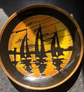 """Poole Pottery 1970's Aegean """"Three Sailing Boats At Sunset"""" Plate Signed """"DD"""""""