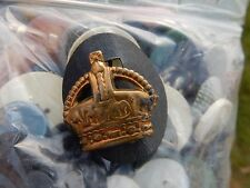 ART DECO BUTTONS AND MILITARY BADGE !