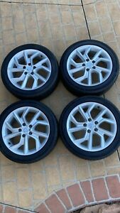 Nissan Pulsar Tires