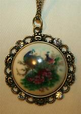 Lovely Vintage Scalloped Rim Bright Peacock Rhinestone Round Pendant Necklace