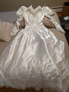 Vintage 80s wedding dress