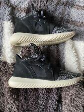 Adidas tubular size 5 Black And Grey